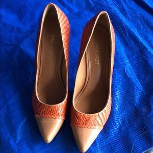 Orange/tan woven heel